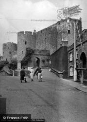 Castle 1953, Pembroke