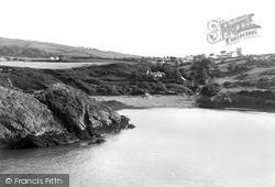 Eilian Bay c.1955, Pengorffwysfa