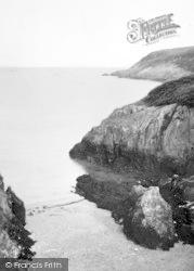Porth Corwgl And Fresh Water Bay c.1960, Pengorffwysfa