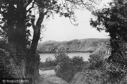 The Road To Eilian Bay c.1960, Pengorffwysfa