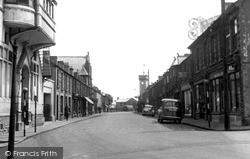 Penrhiwceiber, Penrhiwceiber Road c.1955
