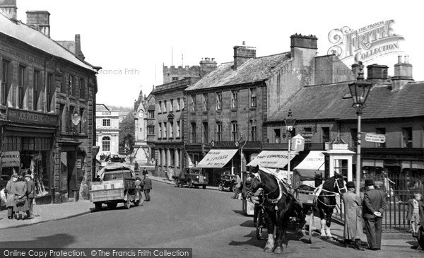 Photo of Penrith, Cornmarket c.1950