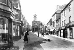 Penryn, Lower Market Street And Town Hall 1904