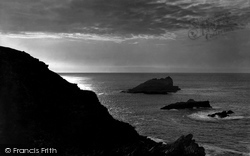 Pentire, Sunset Off West Pentire Head 1918, West Pentire