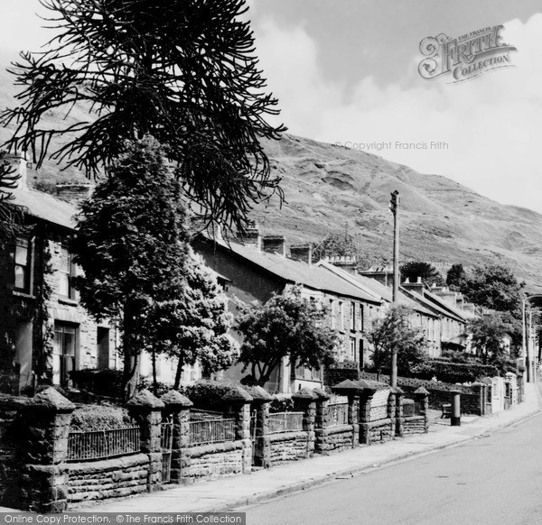 Pentre, St Peter's Church c1965