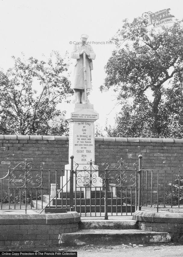 Penycae, the War Memorial c1932