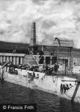 Penzance, the Bathing Pool and Battery War Memorial 1935