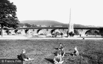 Perth, Bridge and Monument 1899