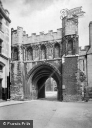 Cathedral, Ancient Abbey Gate c.1930, Peterborough
