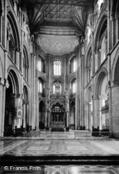 Peterborough, Cathedral, Choir And Apse c.1930