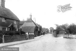 Station Road 1898, Petersfield