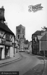 Petworth, East Street And St Mary's Church c.1955