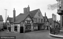 Petworth, Saddler's Row 1928