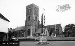 Petworth, St Mary's Church c.1960