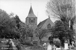 Pevensey, St Nicholas' Church c.1955