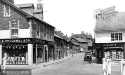 Pewsey, High Street c.1950
