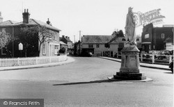 Pewsey, King Alfred Statue And High Street c.1960