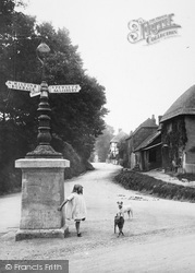 Pewsey, The Signpost, Ball Road 1929