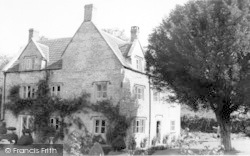 Gable House c.1960, Pilton
