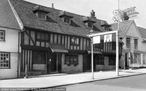 Photo of Pinner, The Queens Head c1955