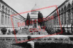 Camposanto Vecchio, Courtyard c.1930, Pisa