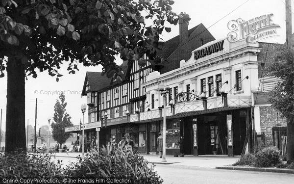 Pitsea, the Broadway c1955