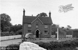 Plaistow, The Bush Inn c.1955