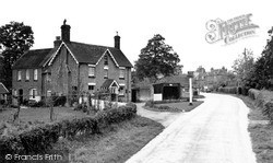 Plaistow, The Bush Inn c.1960