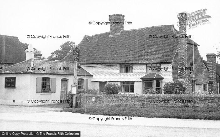 Photo of Plaistow, The Sun Inn c.1960