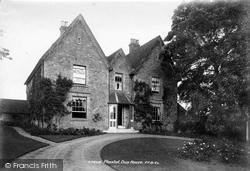 Plaxtol, Dux House 1901