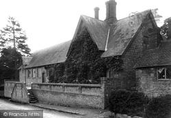 Plaxtol, Plaxtol Schools 1901