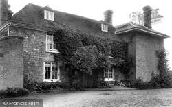 Plaxtol, Puttenden Manor 1901
