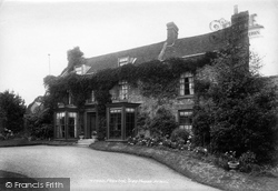 Plaxtol, Tree House 1901