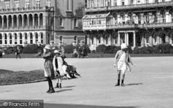 Plymouth, Children's Fashion 1924