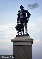 Plymouth, Drake's Statue c.1998