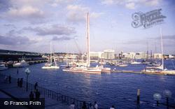 Harbour, Catamaran 'royale' 1986, Plymouth