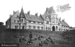 Mutley Western College 1890, Plymouth