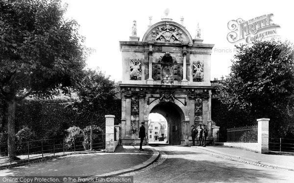 Photo of Plymouth, Royal Citadel Gate 1924