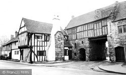 Polesworth, Nunnery Gate c.1955
