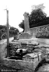 The Ancient Cross And The Well 1913, Polruan