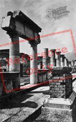 Forum c.1920, Pompeii
