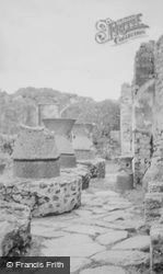 Pistrinum c.1930, Pompeii