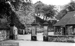 Castle Entrance 1964, Pontefract