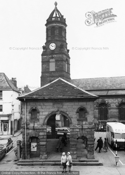 Pontefract, Church Of St Giles And Buttercross 1964