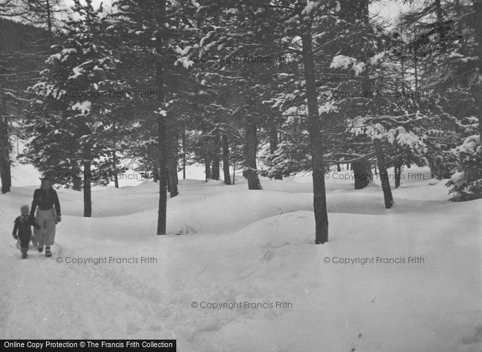 Photo of Pontresina, A Walk In The Snow c.1937