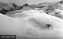 Skiers In Fuorcla Minor c.1937, Pontresina