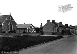 The Memorial And Street c.1950, Pontrhydfendigaid