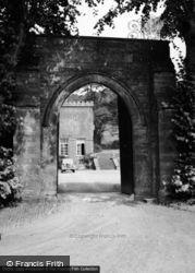Kentchurch Court Gateway 1955, Pontrilas