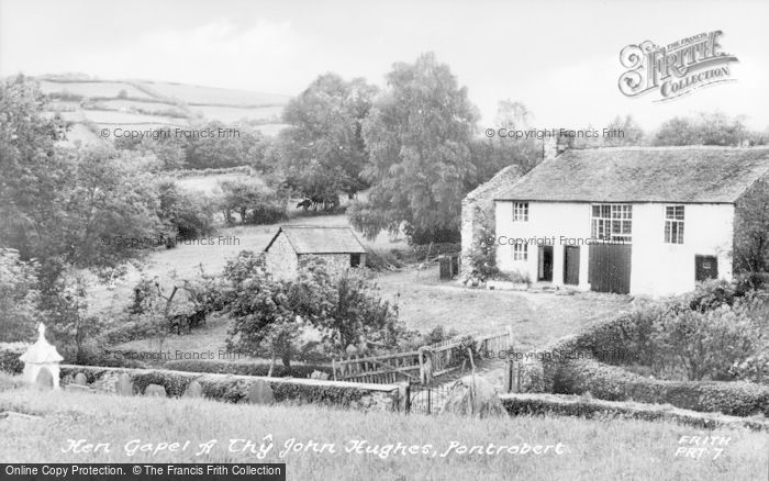 Photo of Pontrobert, Hen Gapel A Thy John Hughes c.1955