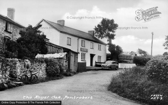 Photo of Pontrobert, The Royal Oak c.1955